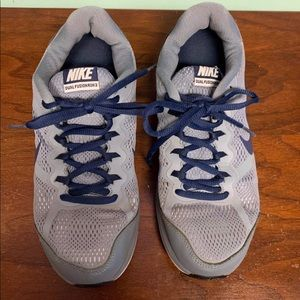 Nike Dual Fusion 3 Men's Sneakers Size 7.5